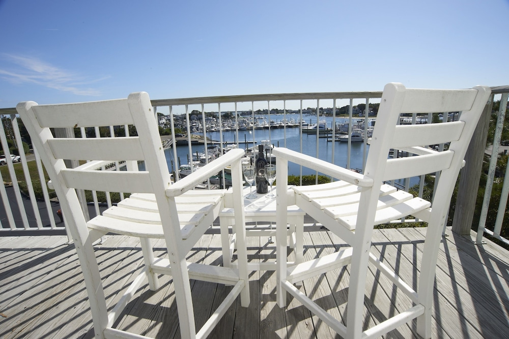 Balcony, Anchor In Distinctive Waterfront Lodging