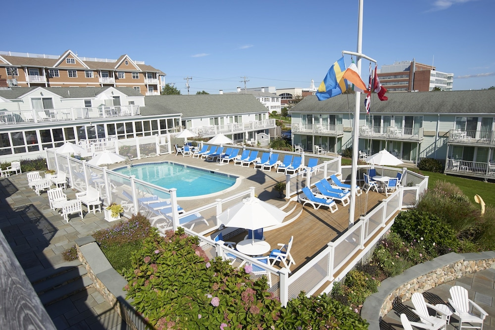 Outdoor Pool, Anchor In Distinctive Waterfront Lodging