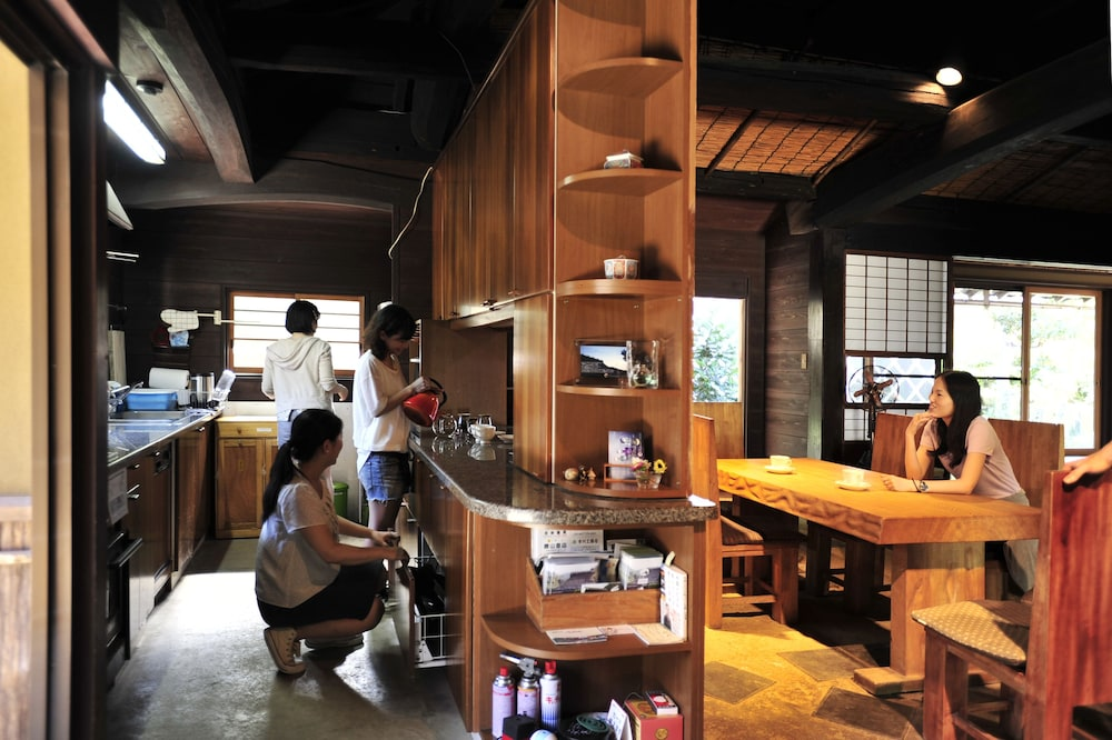 Private Kitchen, Miyama Futon & Breakfast Thatched Cottages