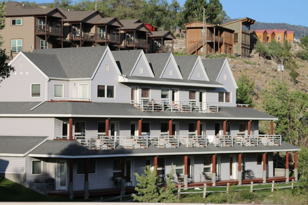 Gardiner (MT) United States  city images : ... Lodge Deals & Reviews Gardiner, United States of America | Wotif