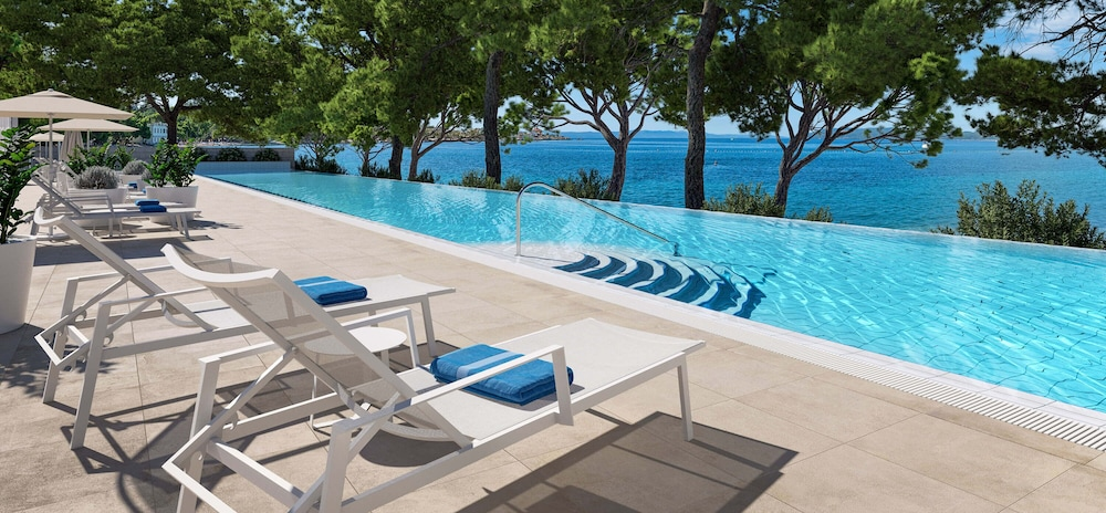 Outdoor Pool, Valamar Meteor Hotel
