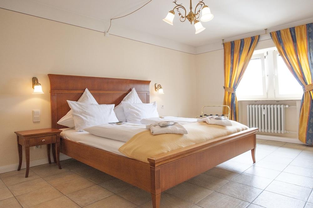 Xii Apostel Hotel Albergo Koln Hotelbewertungen 2019 Expedia De