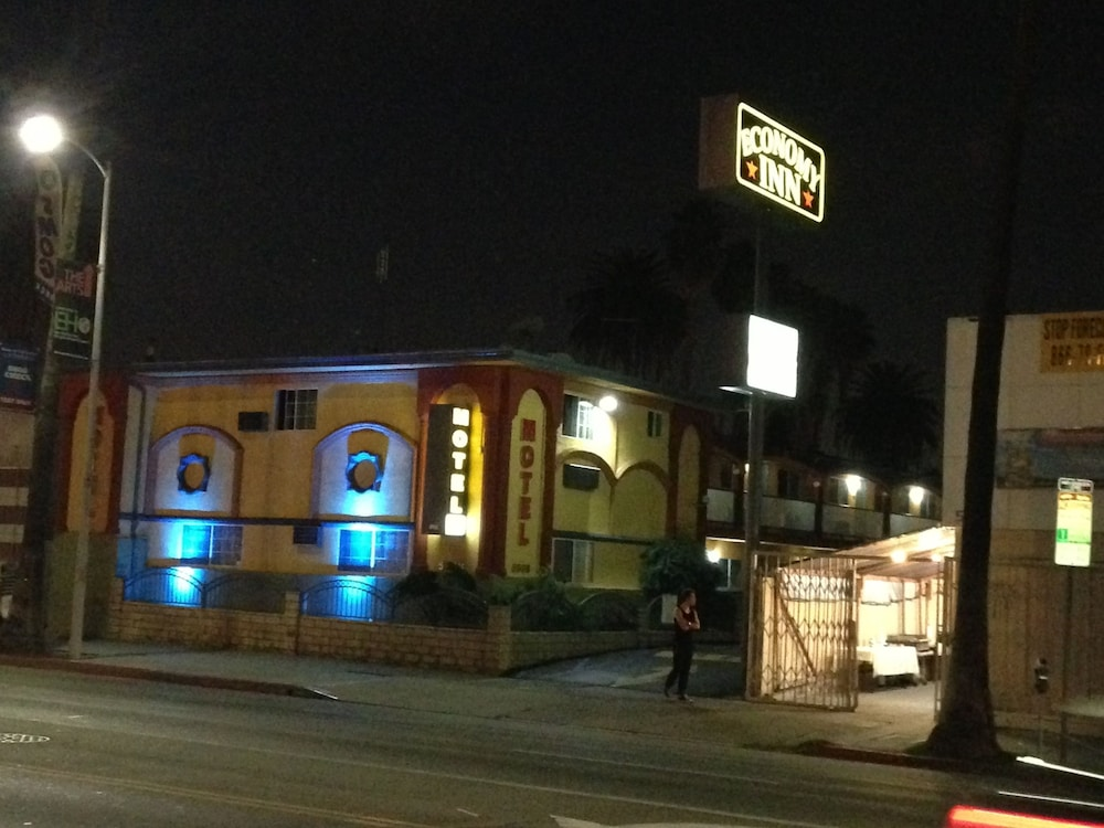 Front of Property - Evening/Night, Economy Inn Hollywood