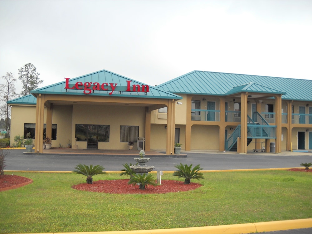 Front of Property, Legacy Inn & Suites
