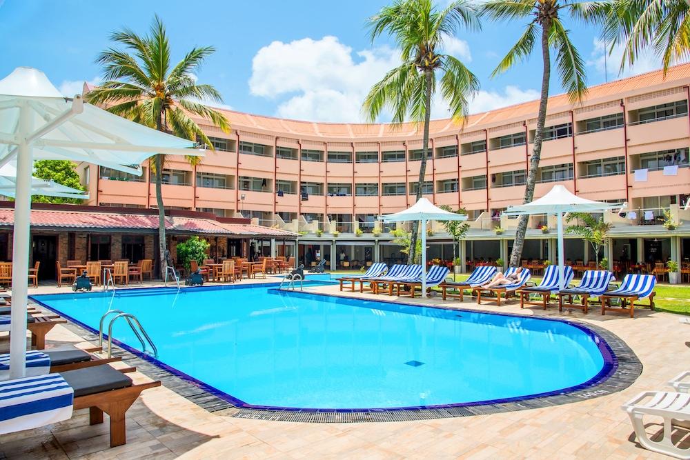Paradise Beach Hotel In Negombo