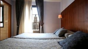 Cortinas opacas y cunas o camas infantiles (de pago)
