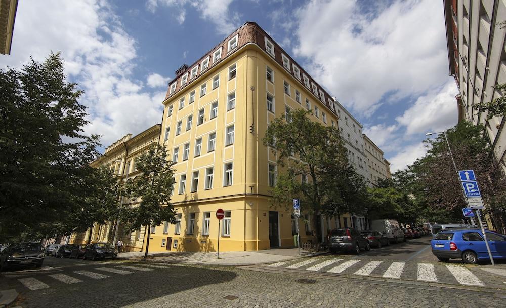 Book hotel orion prague hotel deals for Hotels in prague 1