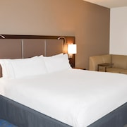 Holiday Inn Express Hotel & Suites Kailua-Kona