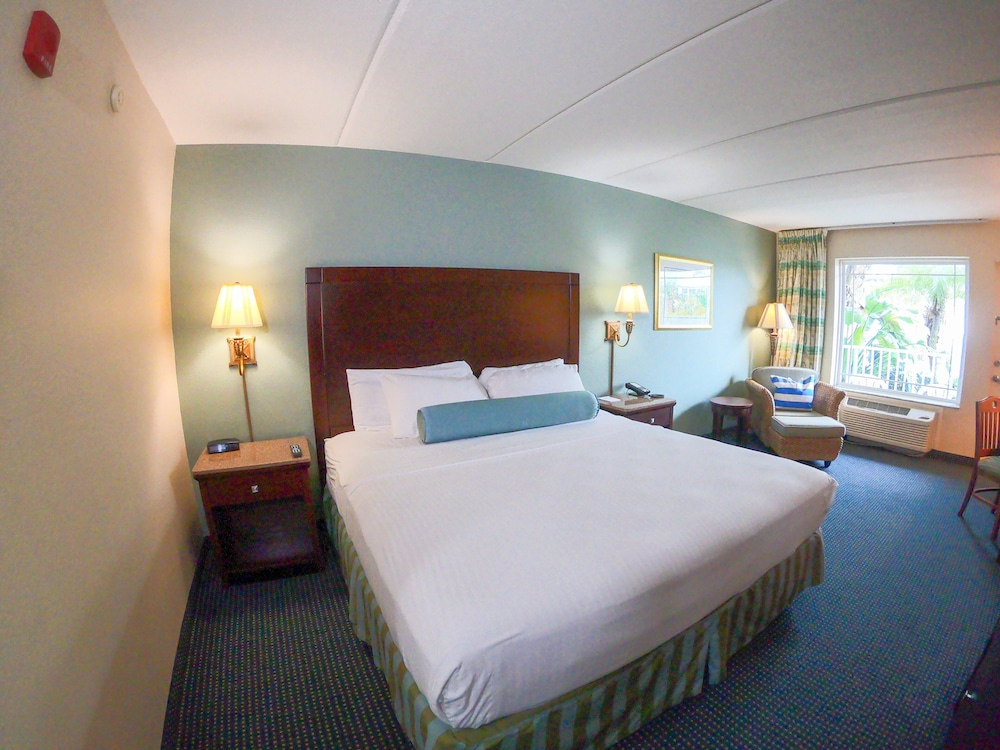 Room, Capt Hiram's Resort