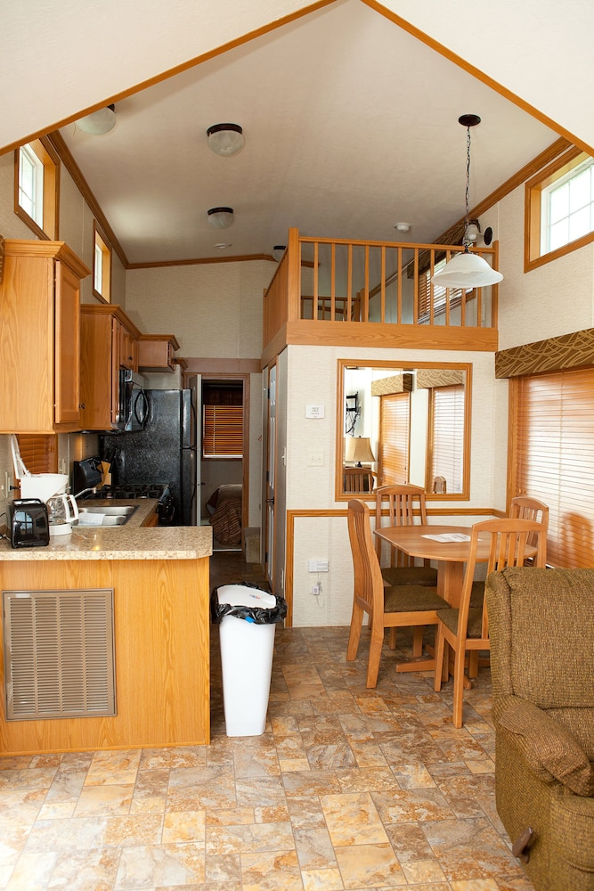 In-Room Dining, New Point RV Resort
