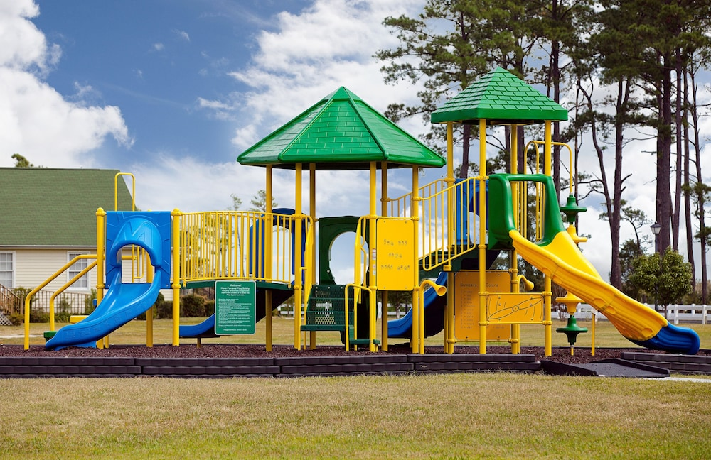 Children's Play Area - Outdoor, New Point RV Resort