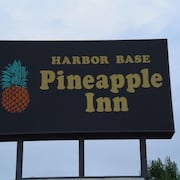 Harbor Base Pineapple Inn