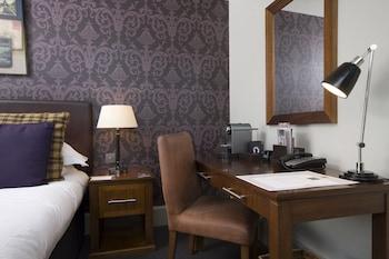 11 Bristo Place, Edinburgh EH1 1EZ, Scotland.