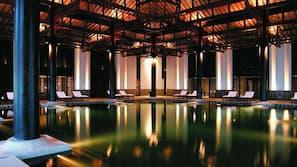 室內泳池;08:00 至 22:00 開放;免費小屋、躺椅
