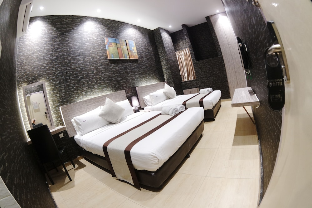 Room, HereHotel.com