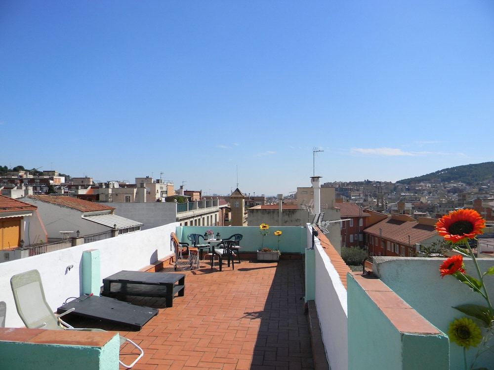 Barcelona nice cozy guest house deals reviews - Nice home barcelona ...