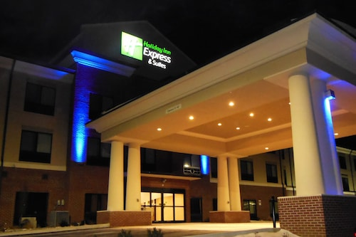 Holiday Inn Express & Suites Washington - Meadow Lands
