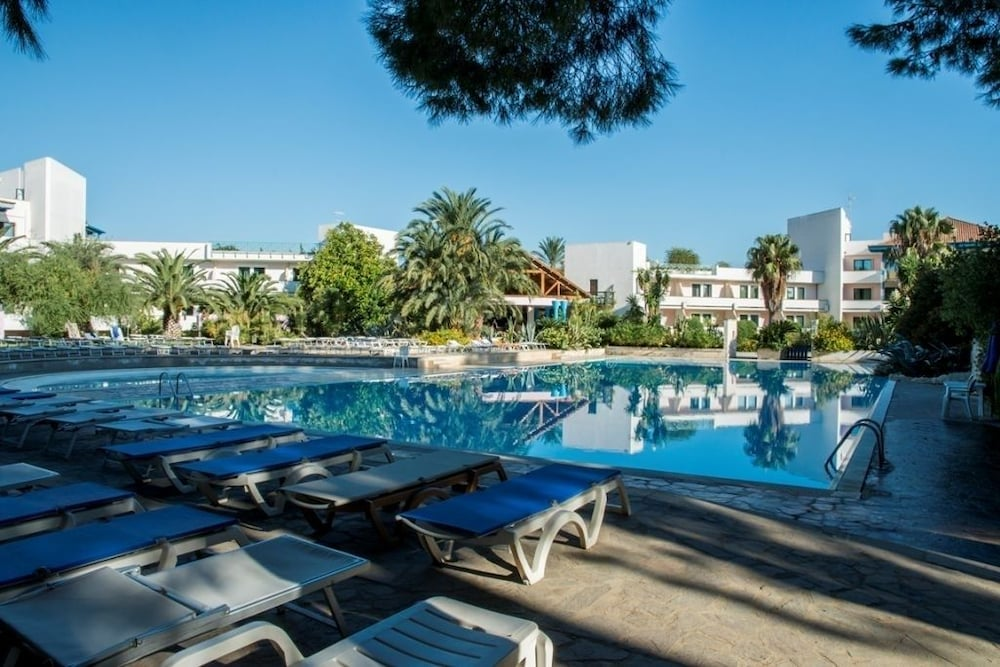 Spiaggia picture of villaggio giardini d oriente nova siri