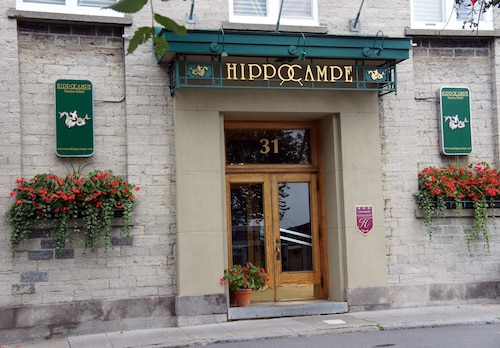 Hôtel Hippocampe - Caters to Gay Men / Réservé aux hommes