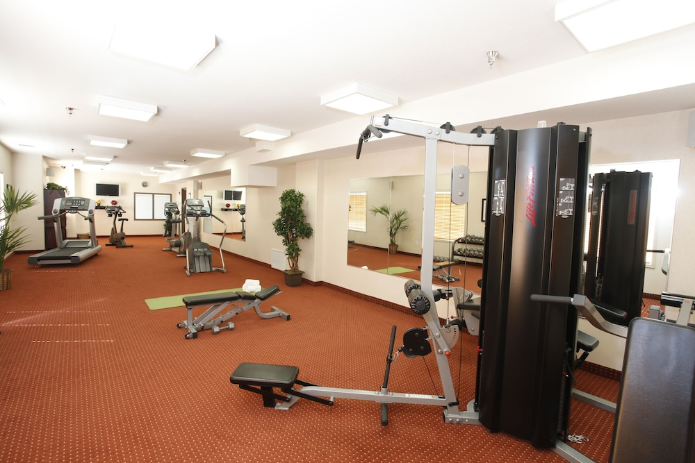 Fitness Facility, Pomeroy Inn & Suites Hotel Dawson Creek