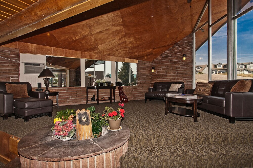 Coyote Mountain Lodge In Rocky Mountain National Park