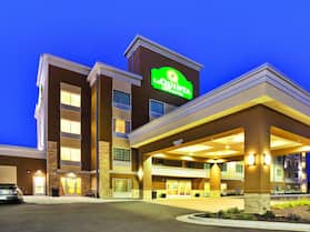 La Quinta Inn & Suites by Wyndham Rochester Mayo Clinic S