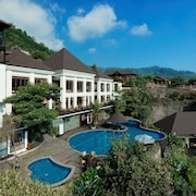 Jambuluwuk Batu Village Resort & Convention Hall