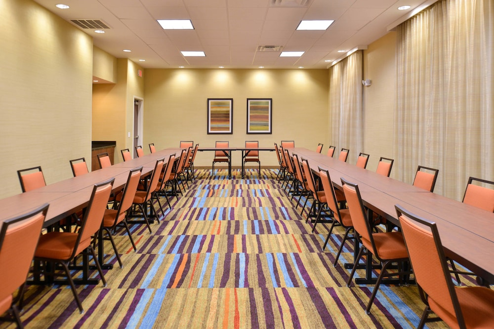 Meeting Facility, Fairfield Inn & Suites Calhoun