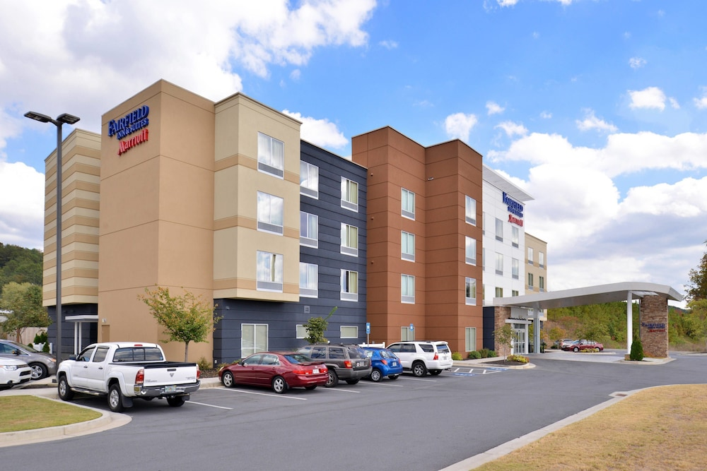 Exterior, Fairfield Inn & Suites Calhoun