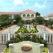 The Palms - Town & Country Club