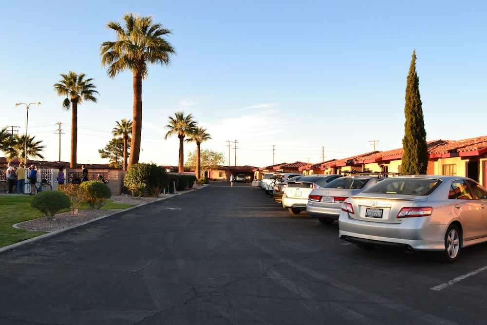 Parking, El Rancho Dolores Motel at Joshua Tree National Park