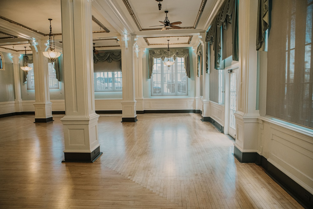 Ballroom, Hotel Petaluma, Ascend Hotel Collection