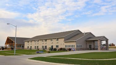 Cobblestone Inn and Suites - Lake View