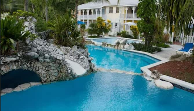 Sunrise Beach Club And Villas In Paradise Island Expedia