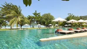 2 outdoor pools, open 10:00 AM to 6:00 PM, pool umbrellas, pool loungers