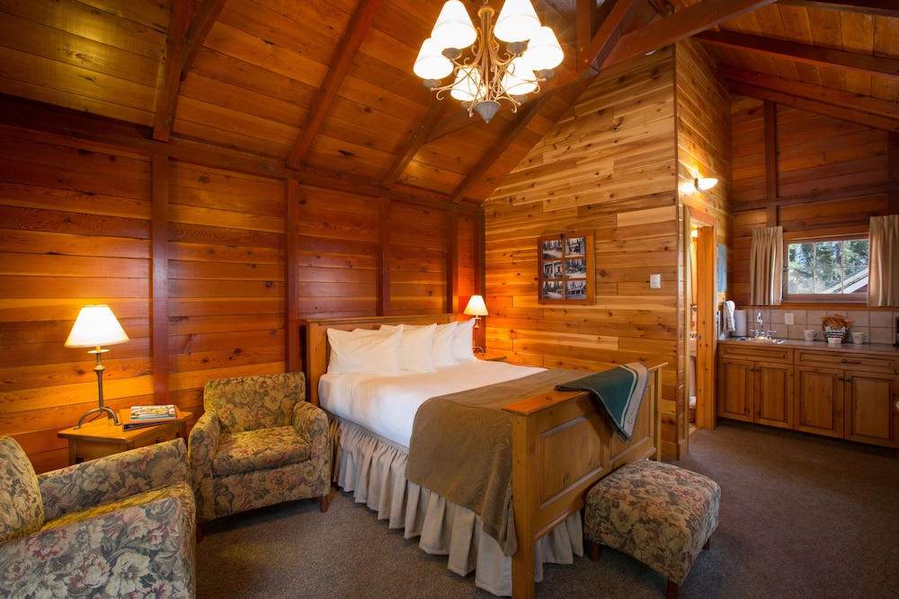 Paradise lodge bungalows in banff national park hotel for Paradise motor inn prices