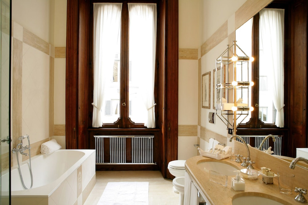 Bathroom, Villa Spalletti Trivelli
