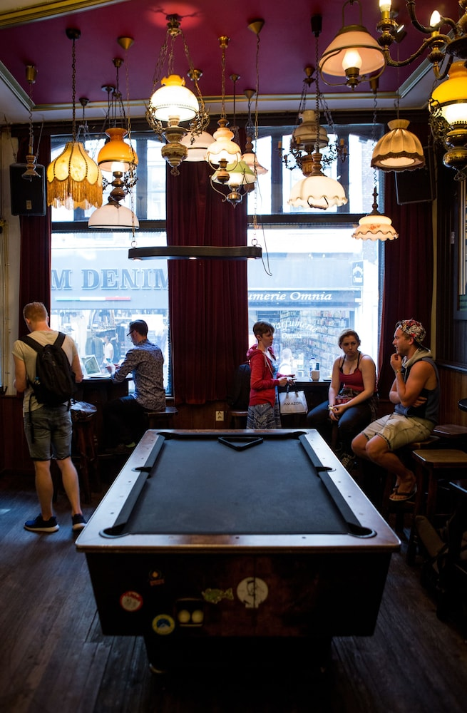 Bar, The Flying Pig Downtown Youth Hostel
