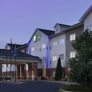Holiday Inn Express & Suites Charlottesville - Ruckersville