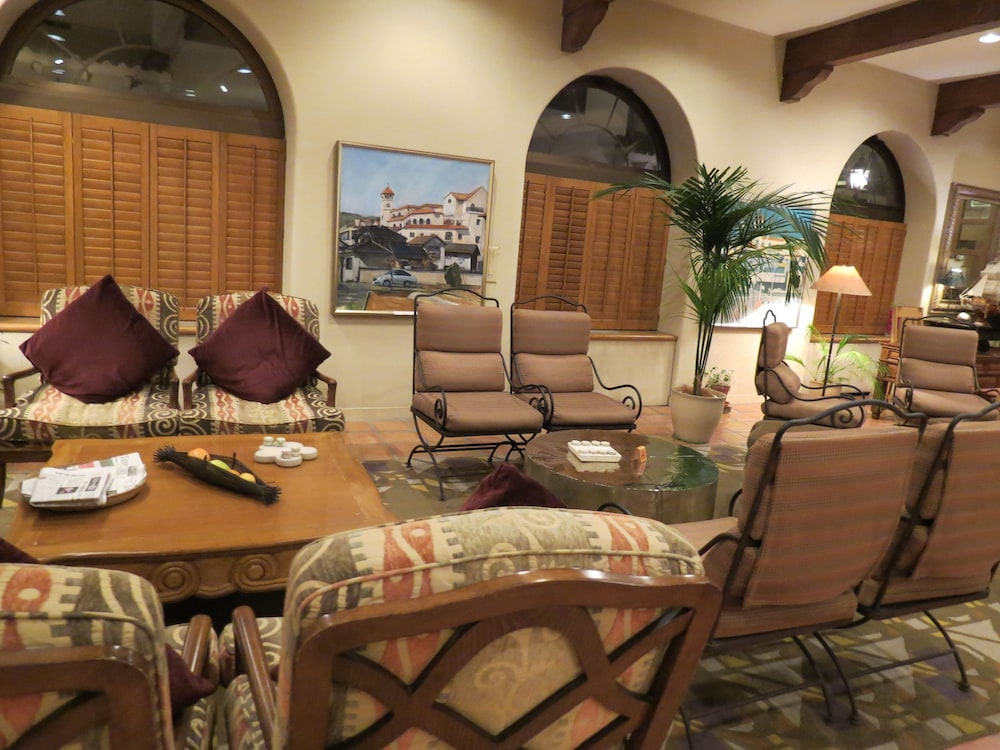 Lobby Lounge, Poppy Springs Resort & Spa