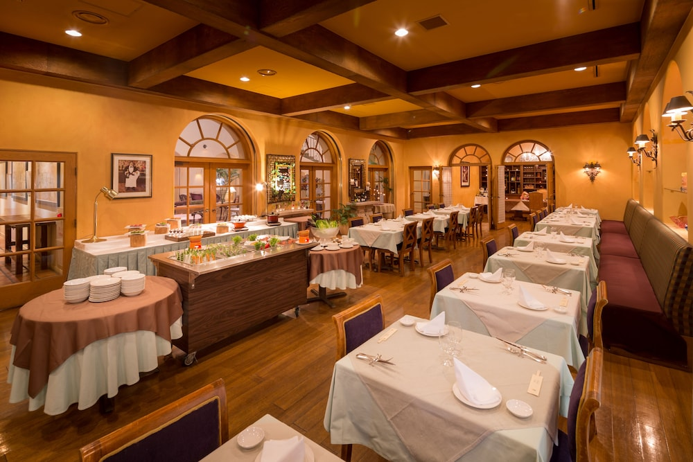 Restaurant, Poppy Springs Resort & Spa