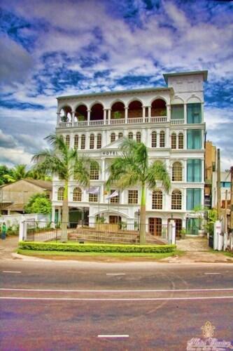 Kiribathgoda Accommodation with Spa: AU$46 Spa and Resorts | Wotif