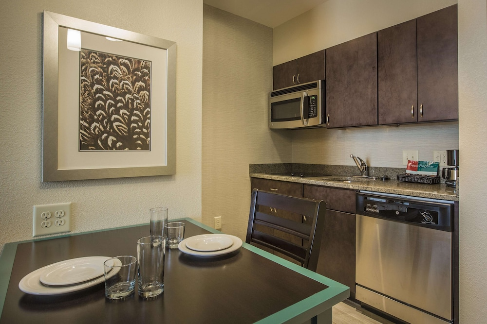 Private Kitchen, Homewood Suites by Hilton Charlotte Ballantyne, NC