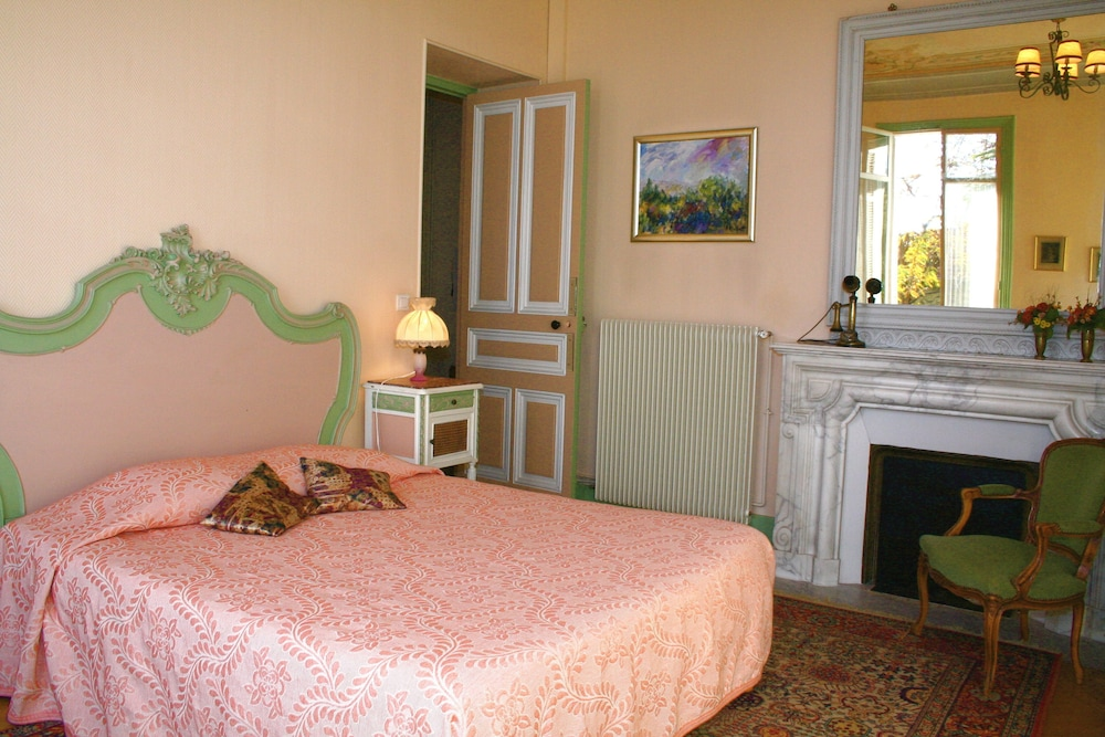 Appart 39 h tel villa l onie reviews photos rates for Nice appart hotel