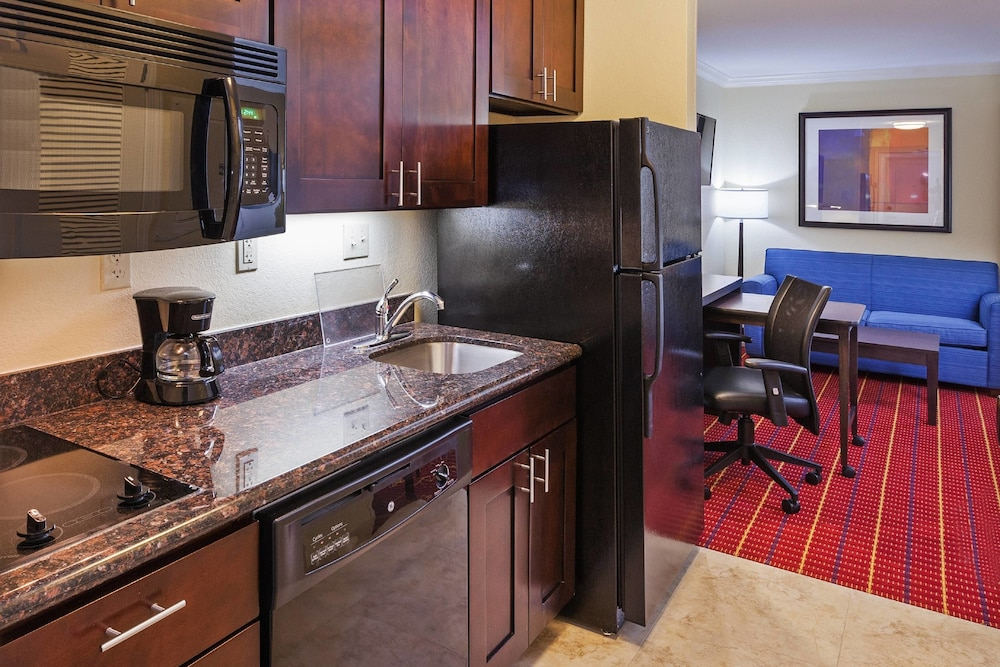 Private Kitchen, Towneplace Suites Corpus Christi