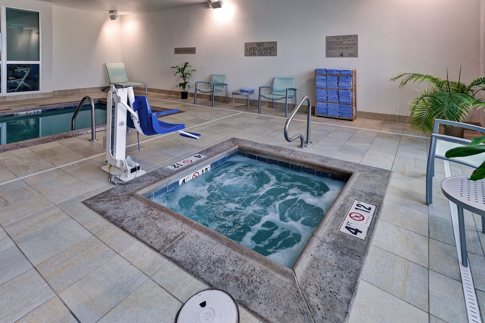 Indoor Spa Tub, Springhill Suites Wichita Airport