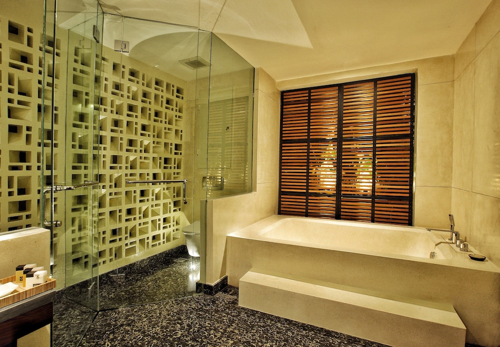 Bathroom Amenities, TS Suites Seminyak