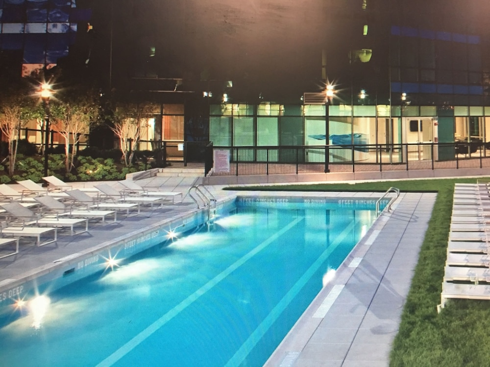 Outdoor Pool, UBliss Suites @ 70 Greene