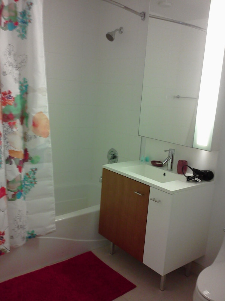 Bathroom, UBliss Suites @ 70 Greene