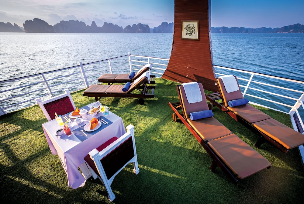 Breakfast Meal, Gray Line Halong Cruise